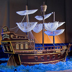 pirate ship decoration