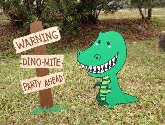 dinosaur yard sign