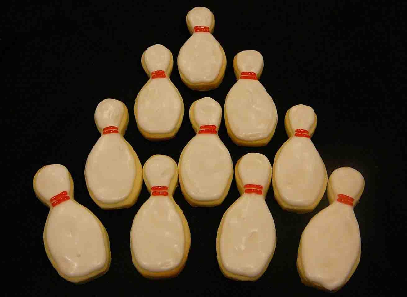 bowling pin cookies