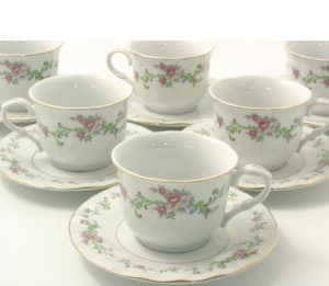 cheap tea cups and saucers