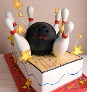 Bowling party ideas retro modern by a professional for Decoration quille de bowling