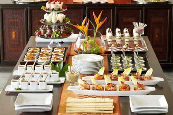 Buffet table ideas decorating styling tips by a pro for Hotel decor items