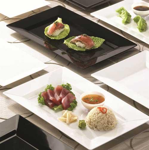 premium plastic serving plates