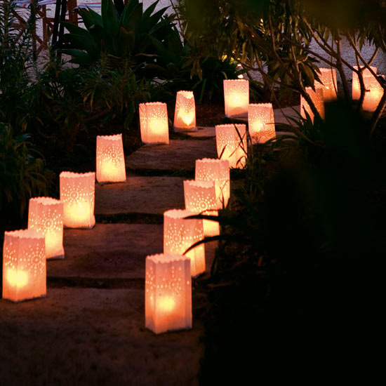 Outdoor party decorations party favors ideas for Backyard engagement party decoration ideas