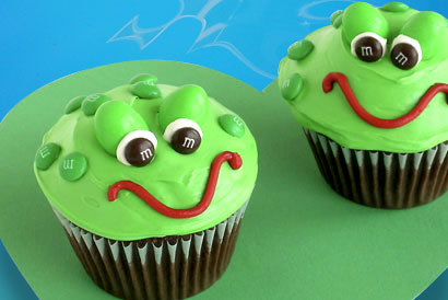 princess party ideas frog cupcakes