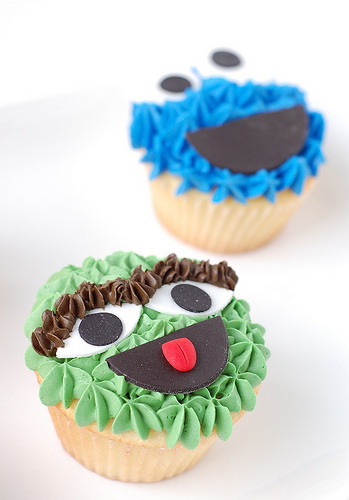 sesame street birthay party cupcake