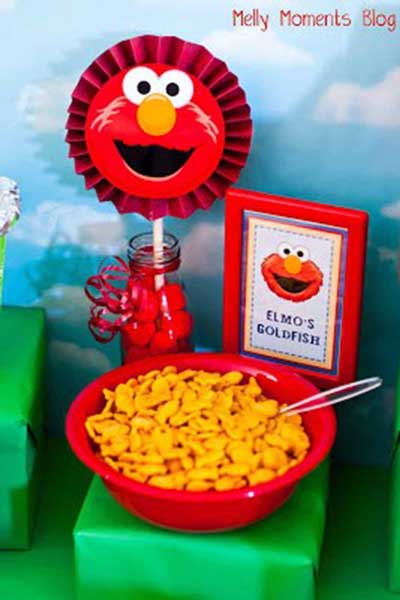 elmo's goldfish crackers