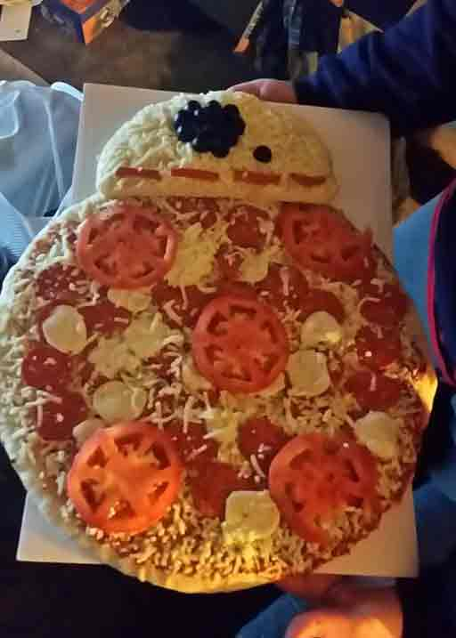 star wars pizza BB8