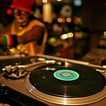 Group Introductory DJ Lesson