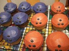 bowling ball cupcakes