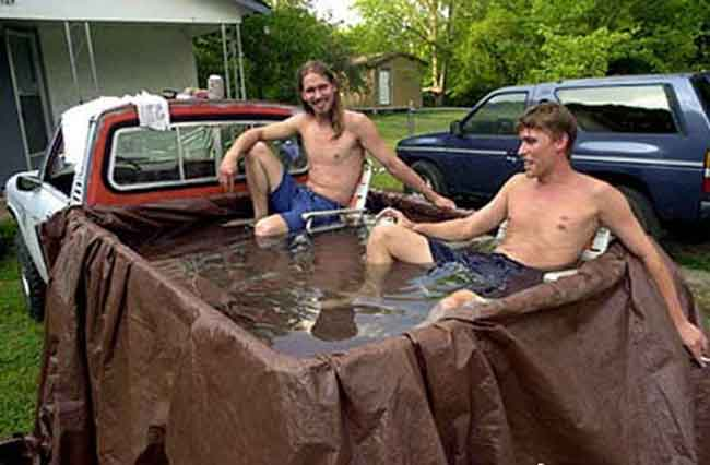 redneck party decorations jacuzzi