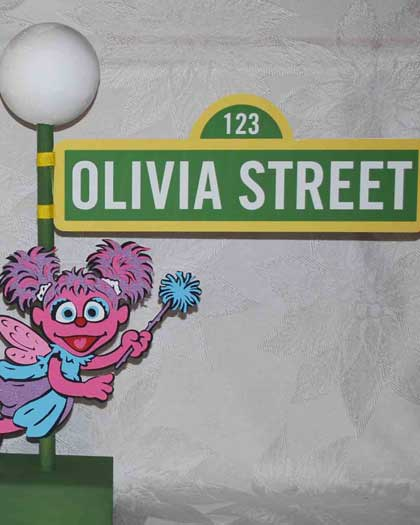 sesame street lamp post centerpiece