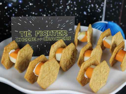 tie fighter cheese and crackers